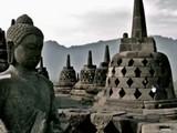 Monument Temple Treasure Escape