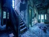 Abandoned Urban House Escape