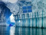 Penguin Ice Cave Escape