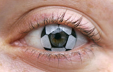 Контактные линзы для фанатов футбола