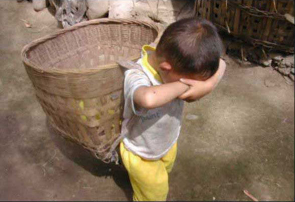 Бедный ребенок : Невеселые кадры