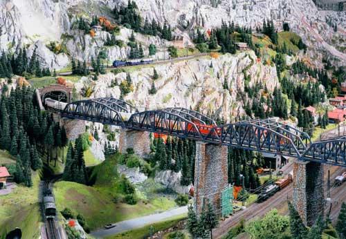 Самая большая в мире модель железной дороги