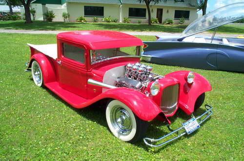 Оригинальные старинные автомобили