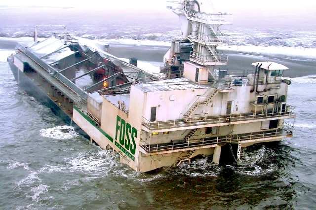 Старые брошенные корабли на Аляске