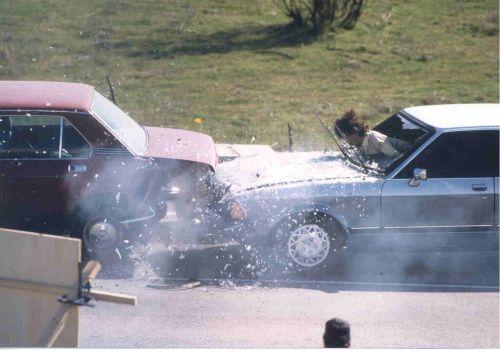 Авария : Зачем нужны ремни безопасности