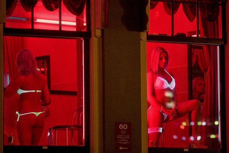 Что Могут Проститутки В Квартале Красные Фонари Амстердаме