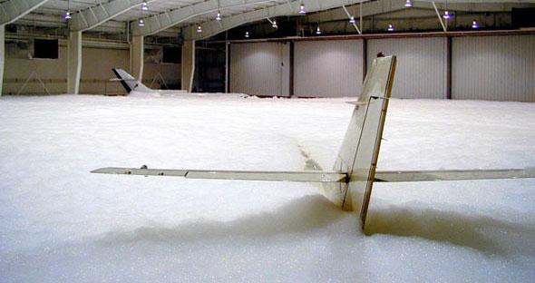 Как моют самолеты?