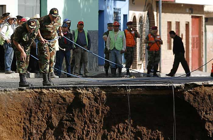 Гигантский провал в Гватемале