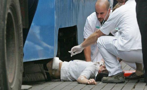 Девушка попала под трамвай