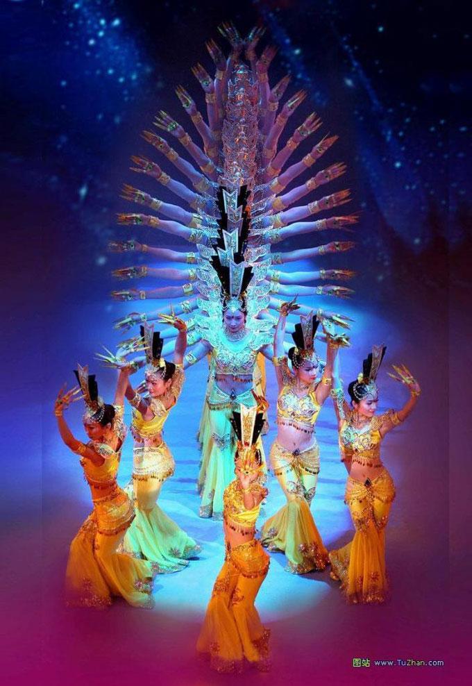 Китайцы тацуют индийские танцы