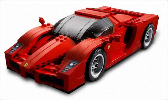 Феррари из кубиков Лего