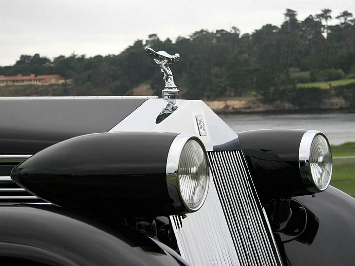 Vēsturiski spēkrati Rolls-royce-phantom-08