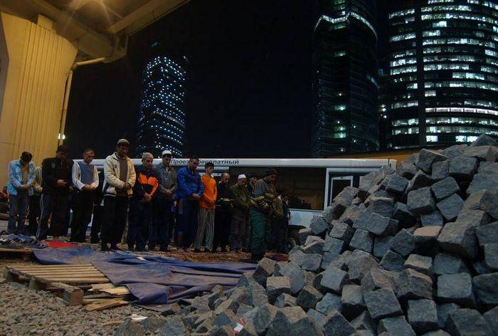 Гастарбайтеры на строительстве Москвы-Сити