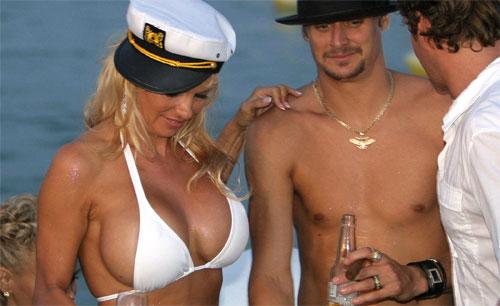 памела андерсон и томми ли на яхте фото смотреть онлайн