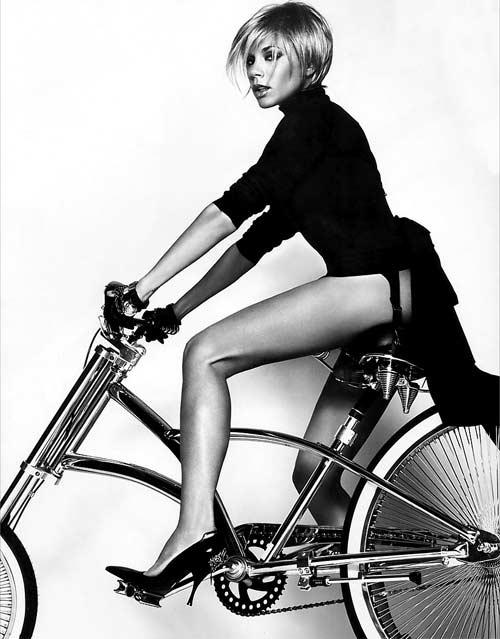 Виктория Бекхэм и велосипед : Victoria Beckham