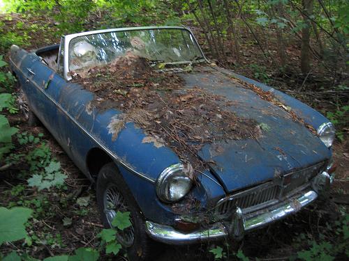 Старые и разбитые авто