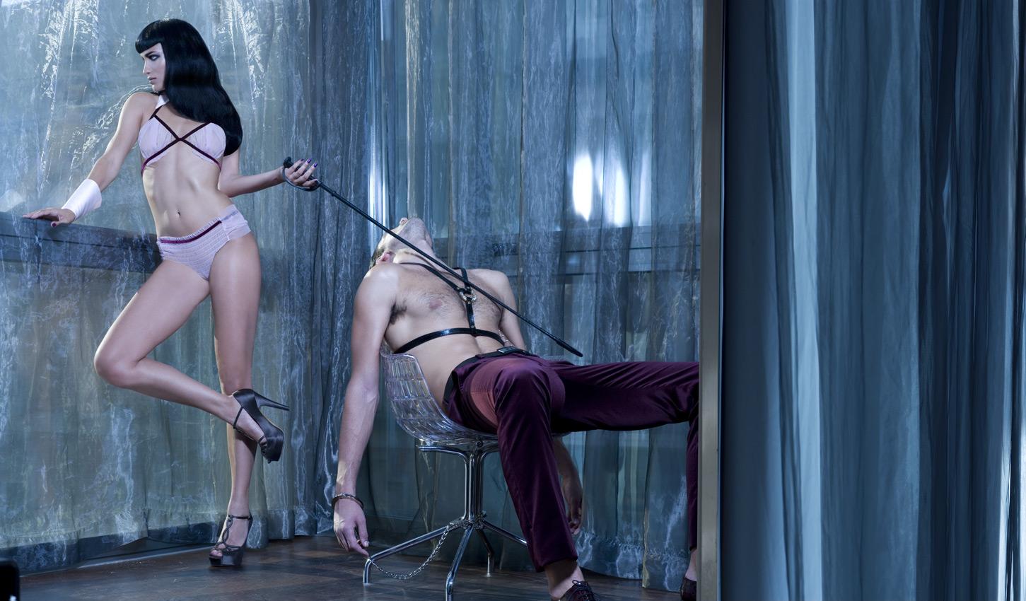 Хозяйка и раб в сексе 15 фотография