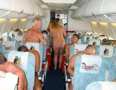 Самолет для нудистов