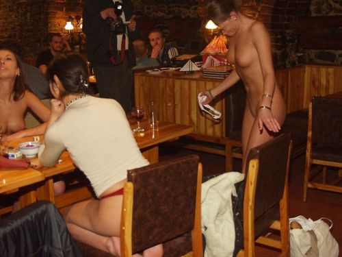 seks-devushka-s-restorana-video
