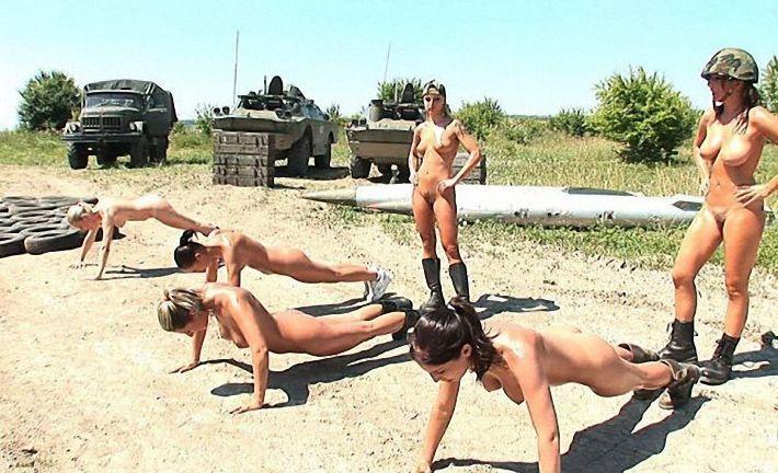Голые женщины военнослужащие фото