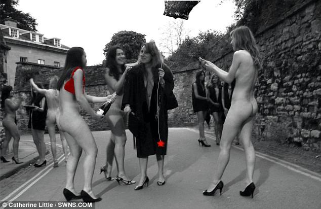 video-golie-studentki-oksforda