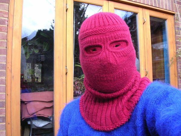 http://www.doodoo.ru/uploads/posts/2009-09/knitted-masks-14.jpg