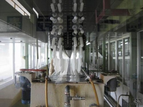Китайский завод презервативов