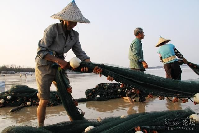 как ловят рыбу на сети на севере