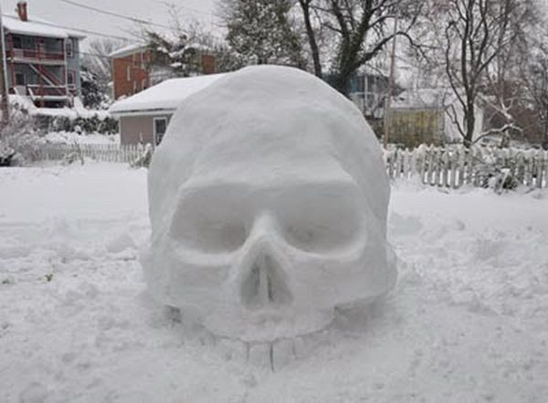 http://www.doodoo.ru/uploads/posts/2009-12/snow-skull-08.jpg