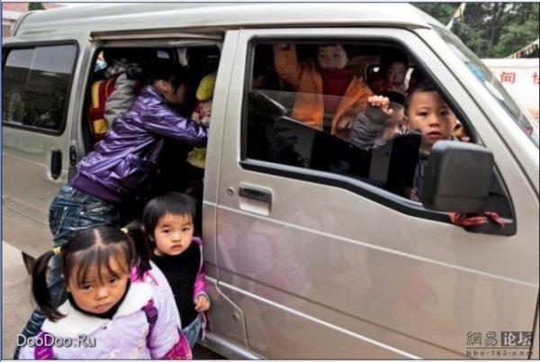 Тысяча китайцев в одной машине