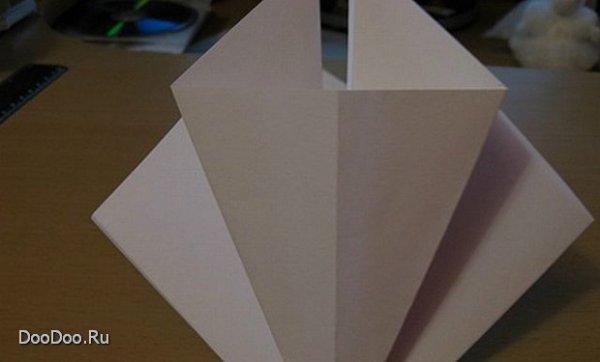 Как сделать бумажную елочку