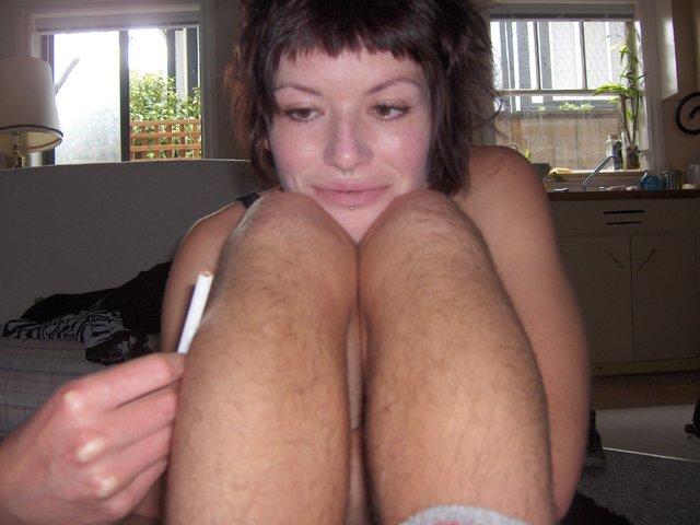 Вам нравятся НЕбритые ноги у девушек? даже не знаю, завидывать вашим девушк