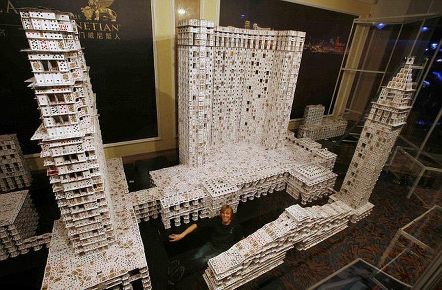 Берг соорудил копию самого большого казино в мире - китайского