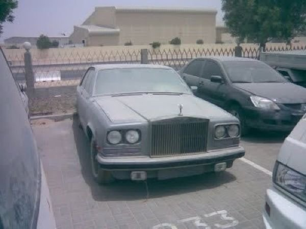 Пыльные суперкары в Эмиратах