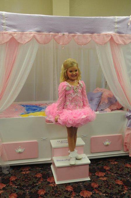 Как ребенку сделать кукле барби