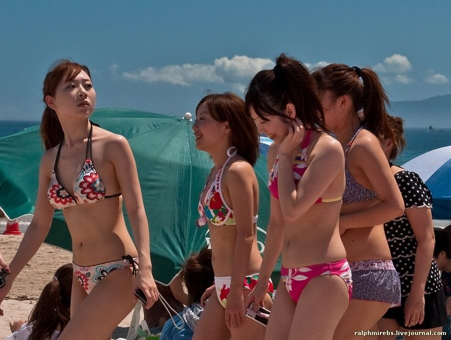 Японских девушек на пляже 1