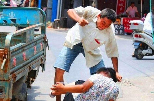 Как нанести оскорбление китаянке Элвин увидел