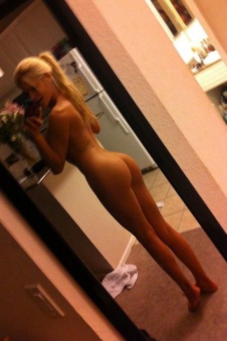 голая блондинка голая зеркала фото