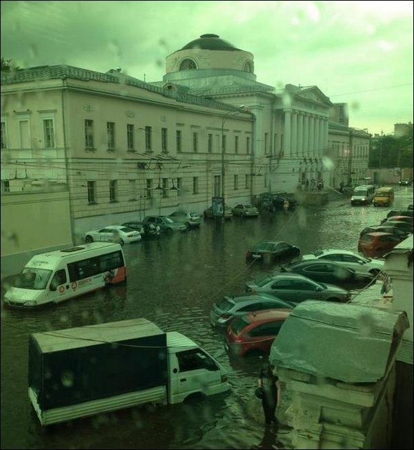 Ливень в Москве, ливень в Челябинске
