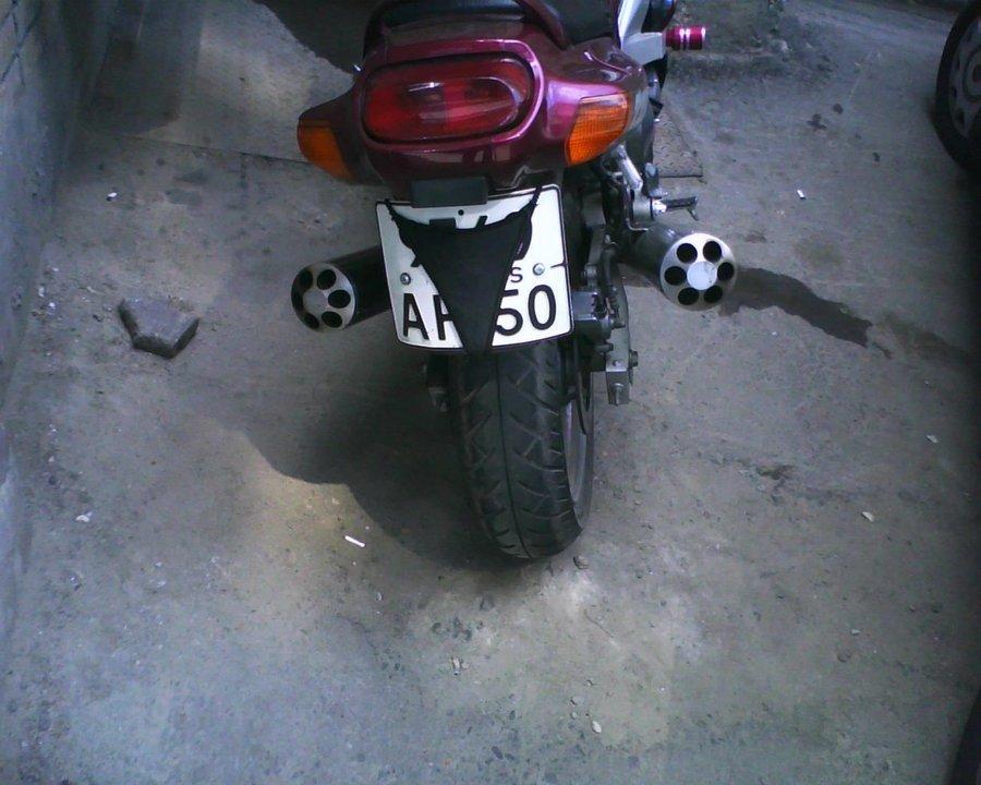 В стрингах на мотоцикле 12
