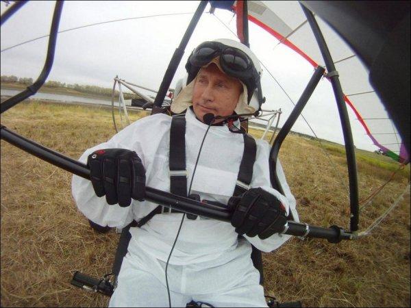 Путин на дельтаплане
