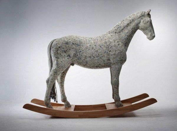 Конь из клавиатур