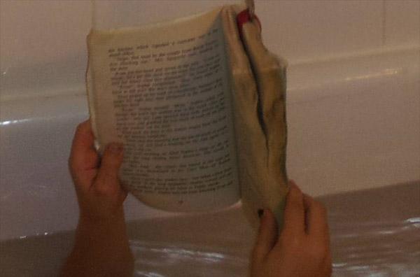 Приспособление для чтения в ванной