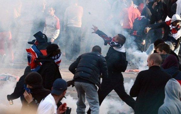 Фанаты разгромили Париж