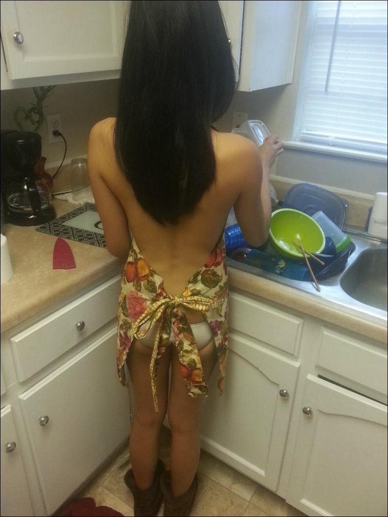 Профессиональные фотографии девушка на кухне 3 фотография