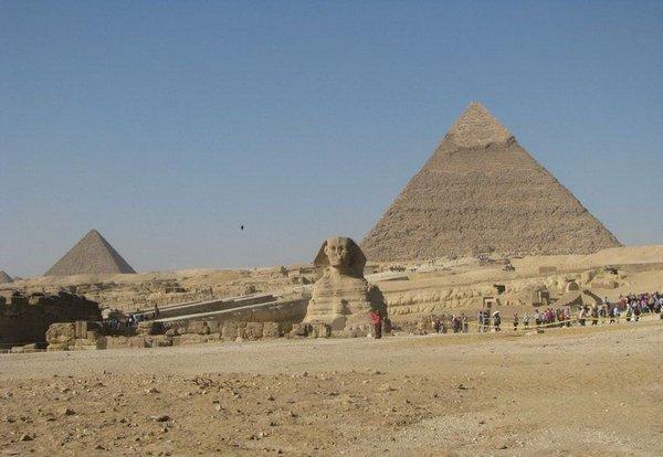 Туалет у пирамиды