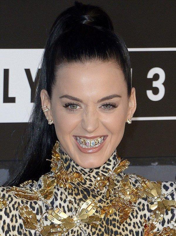 Новые зубы Кэти Перри
