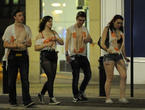 Как гуляют пьяные студенты фото 129-343