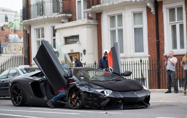 Убитый Lamborghini Aventador