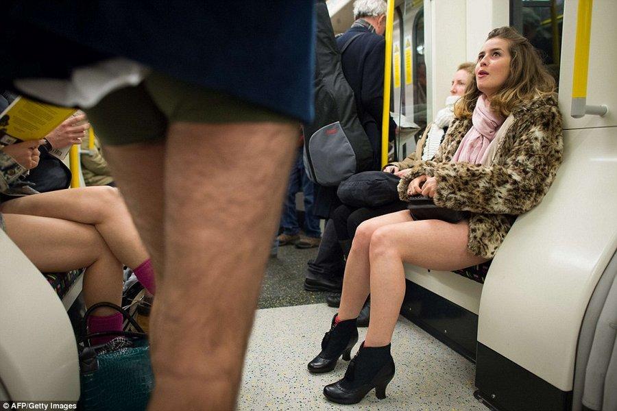 девочка без штанов фото